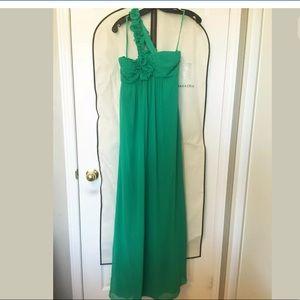NWT BCBG MAXAZRIA Green long dress  Ruffle Gown 6